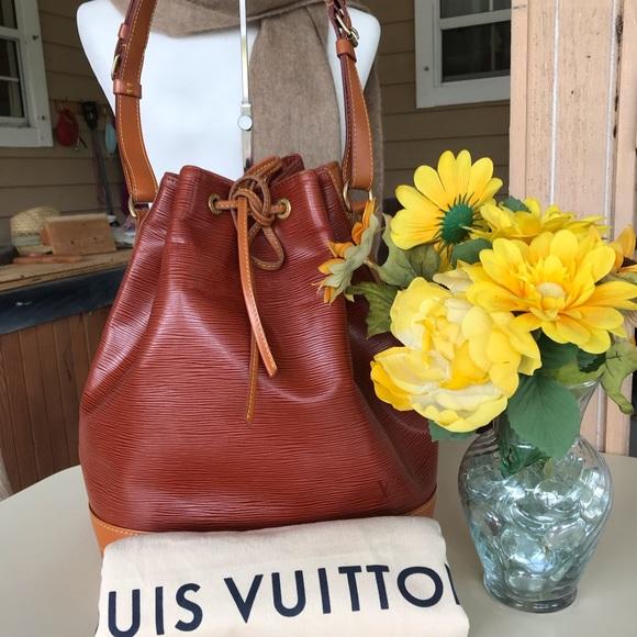 4c4535079a60 Louis Vuitton Handbags - Louis vuitton epi noe gm size